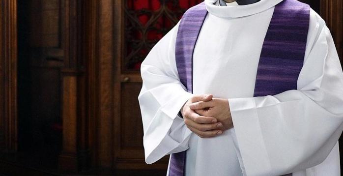 France: Suspension d'un prêtre pour « comportement inapproprié »
