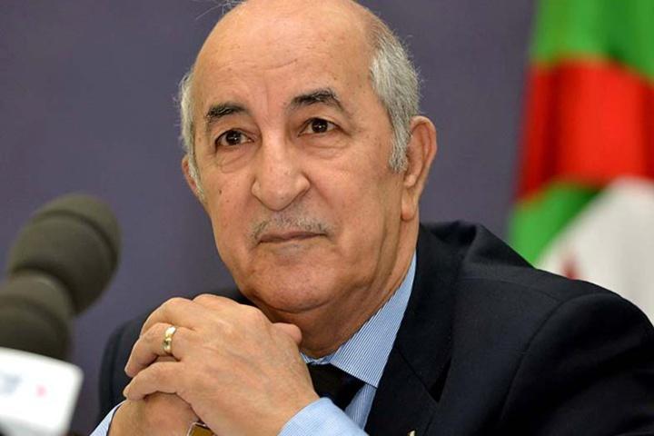 """Algérie : conspué par la rue, le nouveau président Tebboune """"tend la main"""" aux contestataires"""