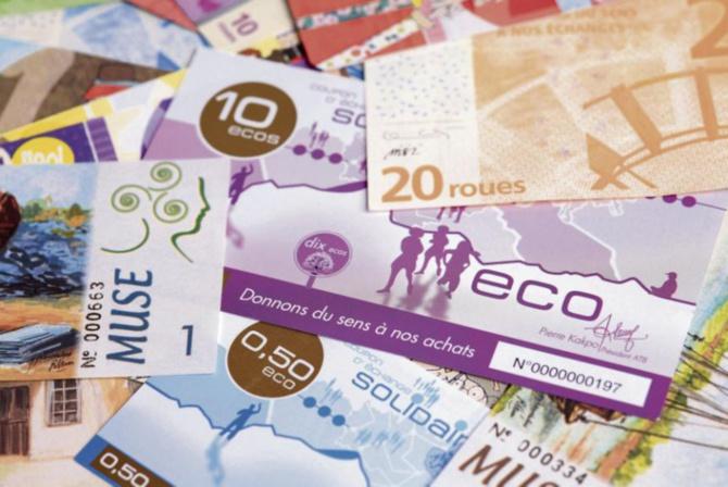 """Eco: Macky Sall salue la monnaie commune et parle d'une """"heureuse perspective"""""""