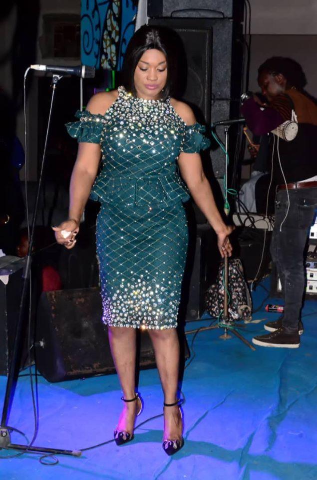 Titi « la lionne » dévoile son nouveau look classique