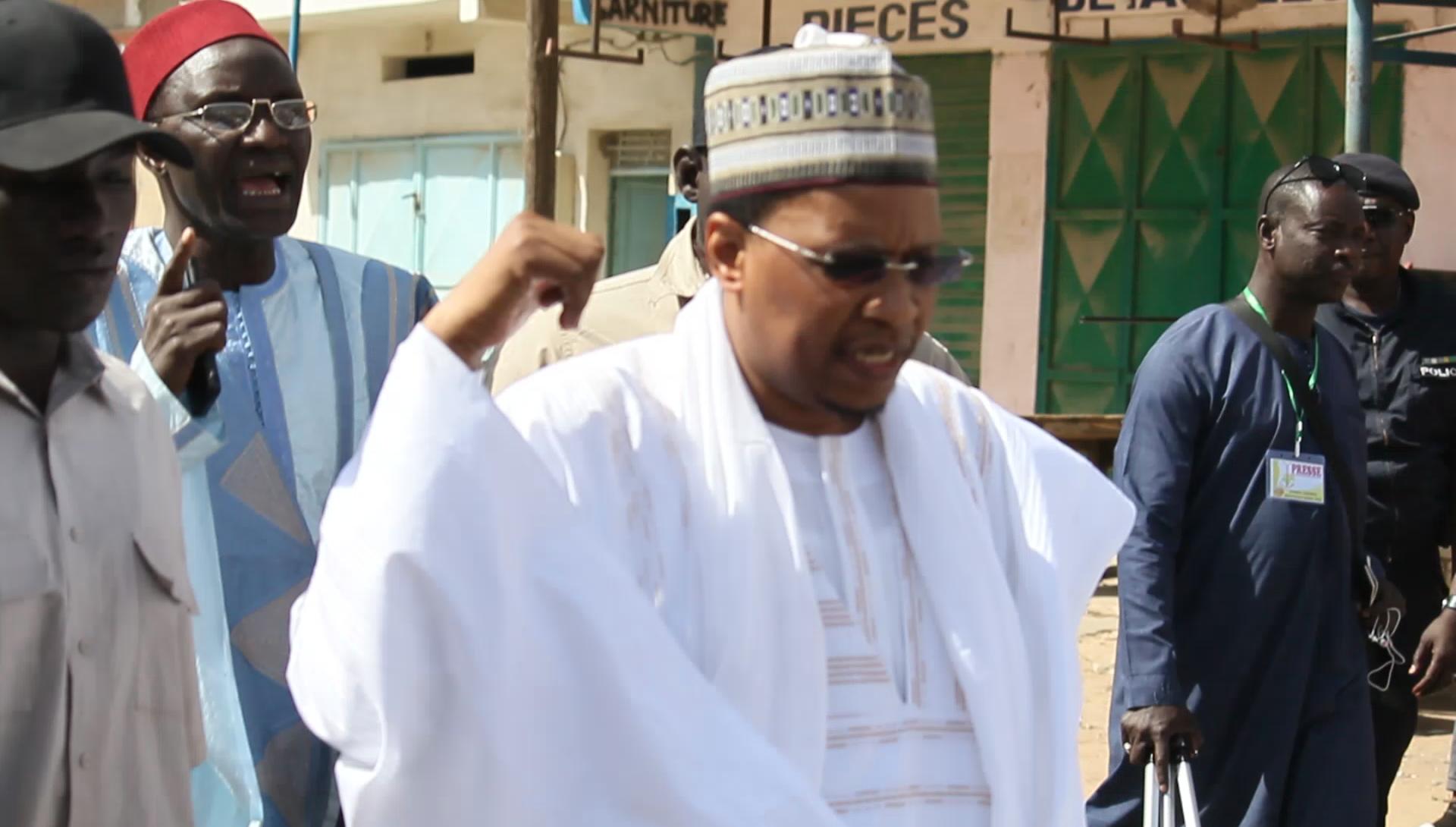 Louga Ziarra Omarienne 2020 : le fils du Khalife facilite le rapprochement entre Moustapha DIOP et Mamour DIALLO