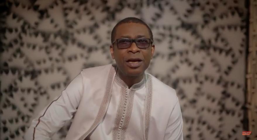 Le son HELLO de Youssou Ndour de son dernier album vers un disque d'or. Visitez itunes