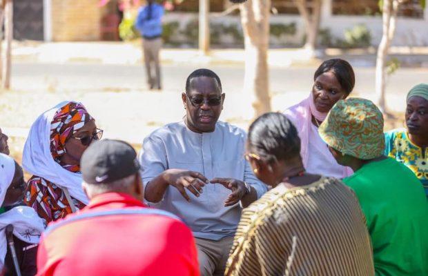 2ème journée du cleaning day, le Président Macky Sall était encore aux côtés de ses voisins