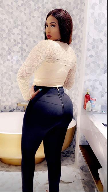 Diaba Sora, la Kim Kardashian du Mali expose ses belles rondeurs