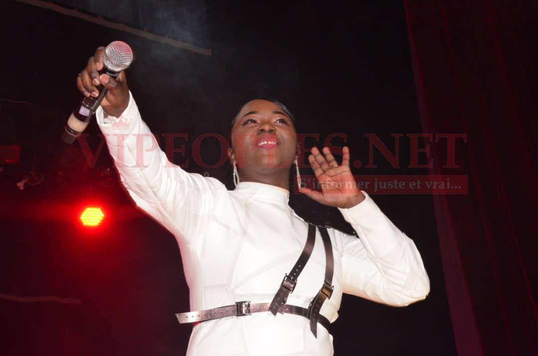 ST VALENTIN: Regardez comment le couple du groupe Maabo, Abdoul et Mia ont fait au Grand Théatre Doudou Ndiaye Rose