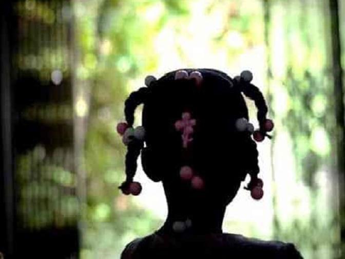 Pédophilie et tentative de viol : il entraîne la fillette de 5 ans dans des toilettes