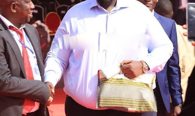 Serigne Assane Mbacké déballe contre le fils de Macky Sall : « Amadou revend des V8 aux différents ministères à plus de 100 millions de F Cfa »
