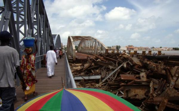 Saint Louis: La ferraille du pont Faidherbe vendue à …
