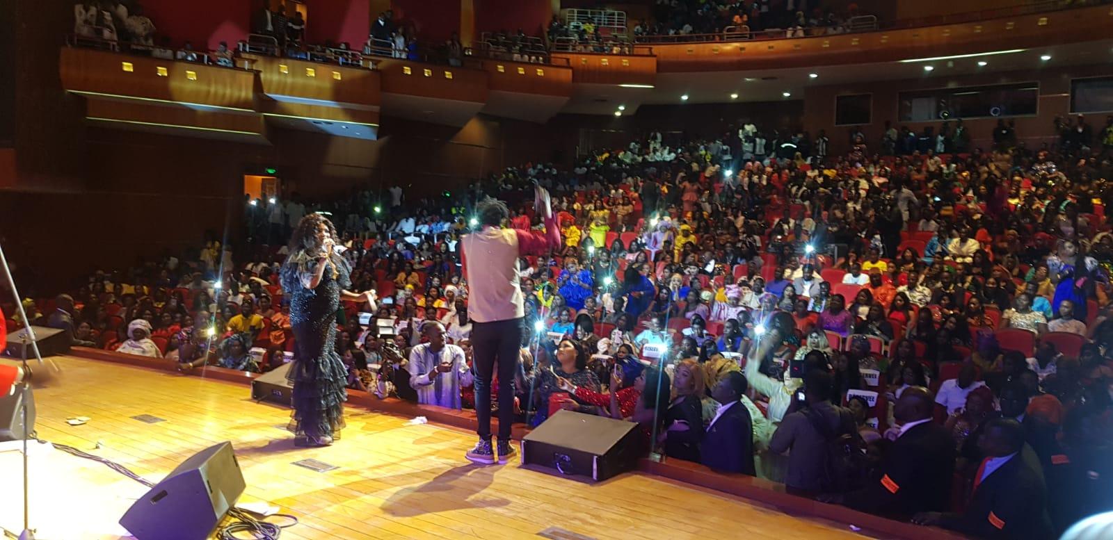 Direct: Regardez comment Tarba Mbaye le fils de Grand Dakar est entrée au Grand Théatre Doudou Ndiaye Rose