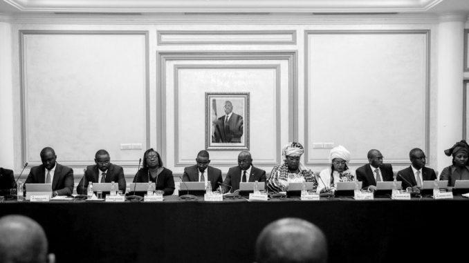 Exclusif ! Trois membres du Conseil des ministres virés de la réunion hebdomadaire (photos)