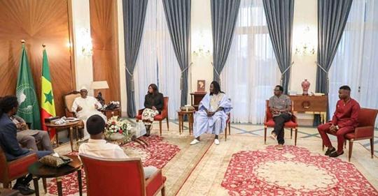 Le président de la république, Macky Sall, reçoit Dip Doundou Guis, OMG et cie