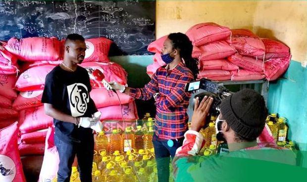 Covid-19 – Dip Doundou Guiss offre 100 sacs de riz, 100 bouteilles d'huile à 100 familles de Grand Yoff