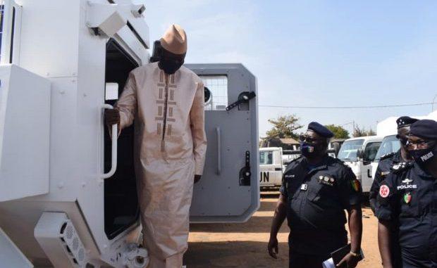 Coronavirus : Aly Ngouille Ndiaye quitte Dakar
