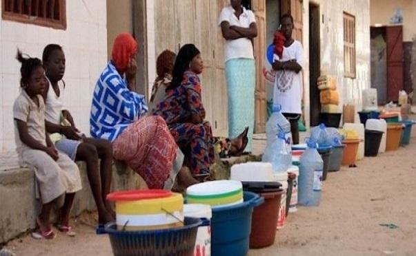 Des quartiers sans eau, sous la Chaleur et la menace du Coronavirus : un moment mal « choisi » pour un retour à une situation insupportable