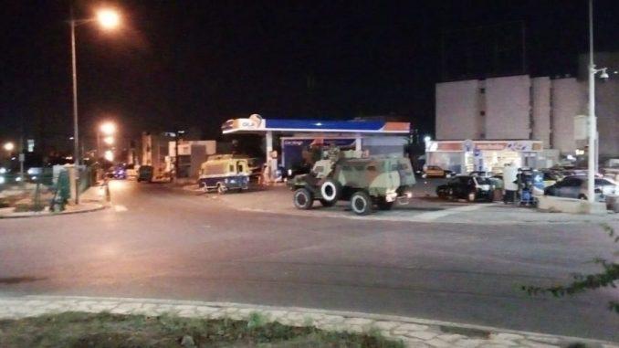 Urgent- Photos: Manif Couvre Feu: Le ministre de l'intérieur envoie l'armée sur le terrain