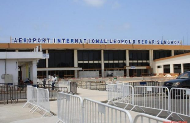 Bradage des terres de l'aéroport : MACKY CHASSE LES MANŒUVRES – Il demande à Mame Boye Diao de bloquer tous les travaux et spéculations