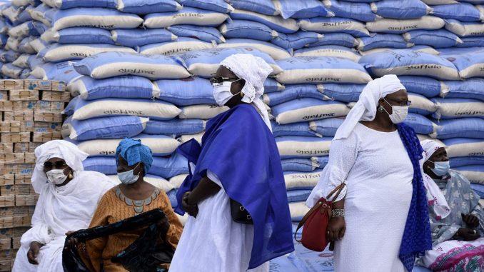 Covid-19 : Épicentre de la maladie, la ville de Dakar masque les populations et ….