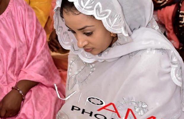 L'épouse du chanteur Waly Seck,Sokhna aidara éblouissante une fois de plus en sagnsé sénégalaise