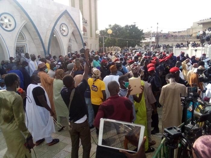 Médina Baye : Voici les tristes images de l'inhumation de la fille aînée de cheikh Al Islam.