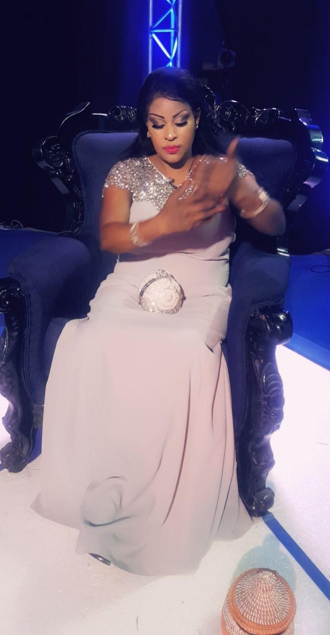 Sublime et élégante Kebs Thiam promet du lourd aux téléspectateurs bientôt