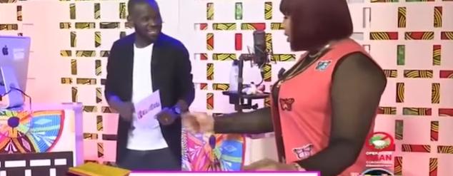 Kaawteef – Quand Pape Cheikh Diallo Et Amina Poté Parle De Dat… De Viviane En Direct