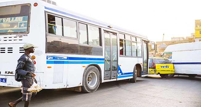 Dernière minute- supposée augmentation des prix sur les bus Tata :- Me Oumar Youm ministre du transport réagit