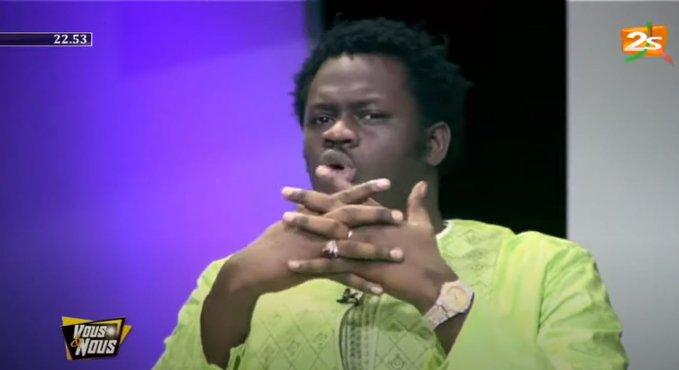 """Kawtef : Omaro dérape dans l'émission """"Vous et Nous"""" et choque les chroniqueurs"""