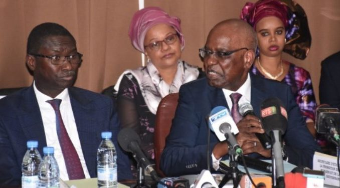 Bras de fer Sytjust-Me Malick Sall: Pr Ismaïla Madior Fall a-t-il miné le terrain de son successeur ?