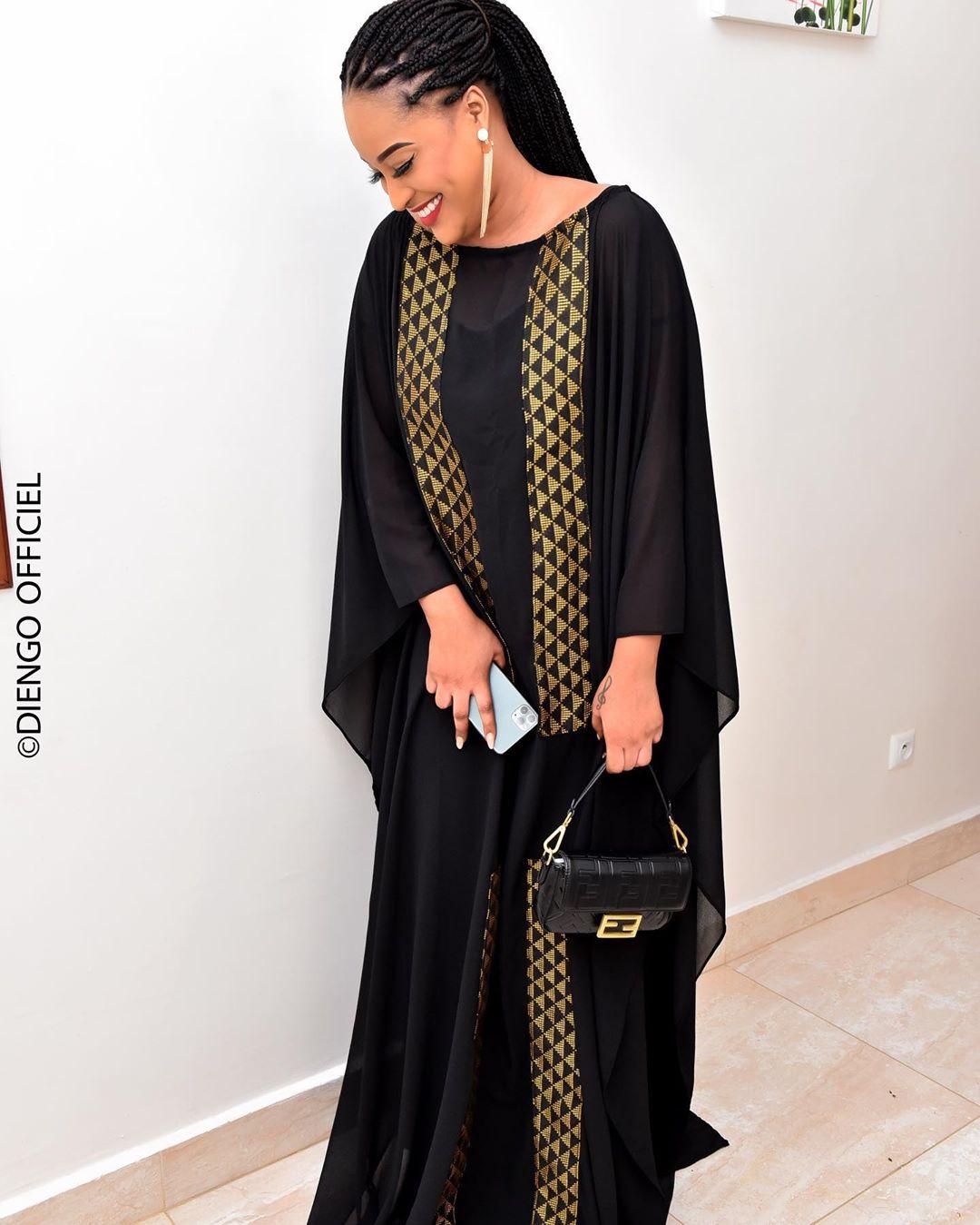 Racky MHDM sublime en robe noire