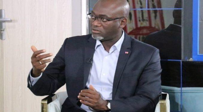 Réunion sur fond de critiques et d'interrogatoire serré du Dg de la Senelec par les syndicalistes-maison : Pape Demba Bitèye, pris au collet