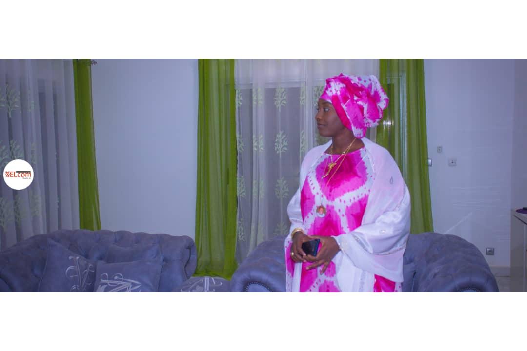Découvrez la veuve du Cheikh des thiantacounes Sokhna Adja Saliou, une femme d'une beauté exceptionnelle alliée à sa simplicité