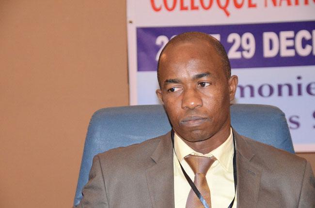 """Démission  de l'UMS d' Ousmane Kane - Souleymane Teliko """"réajuste"""" la toge de son collègue"""