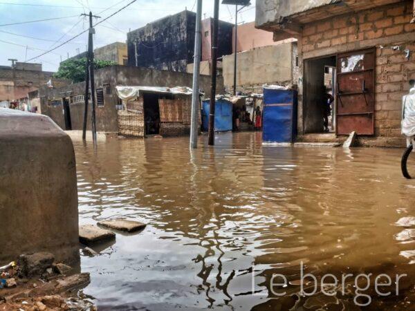 Examens scolaires : Quand la pluie plonge enseignants et élèves sous les eaux