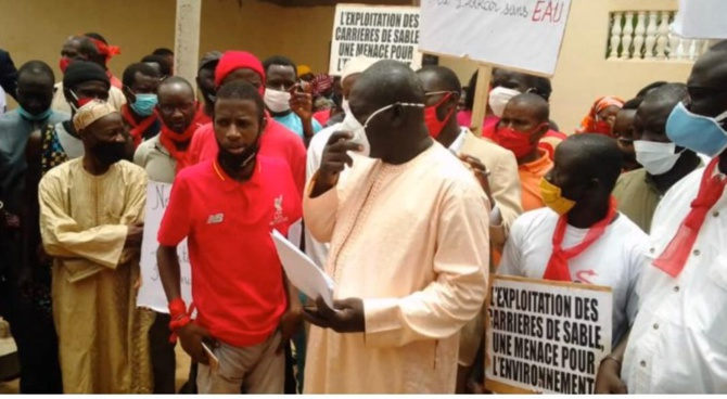 Mamadou Sall et ses Camarades réclament la tête de Ndiagne Diop