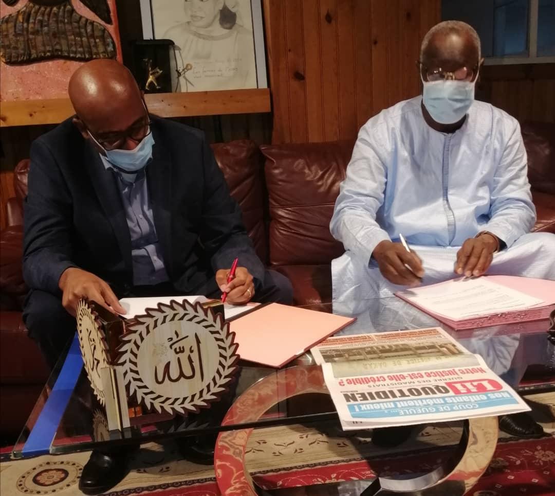 Les images de la signature entre 2S Mobile de El Hadj Ndiaye 2stv et Expresso pour la nouvelle puce téléphonique 2s mobile