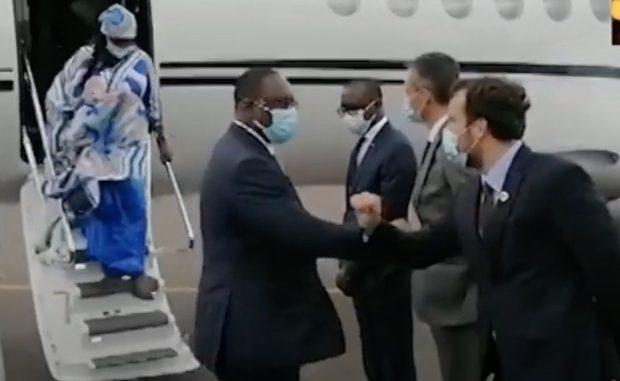 Vidéo-Macky Sall est arrivé à Paris, Regardez l'acceuil