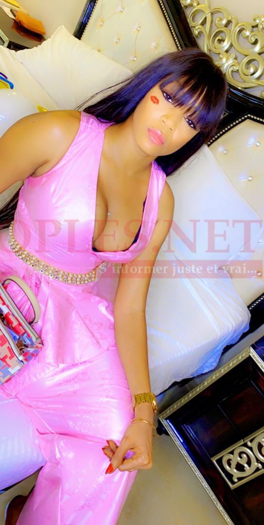 Mariage oumou provocation Colé Faye étale une élégance Fashion dans le rose