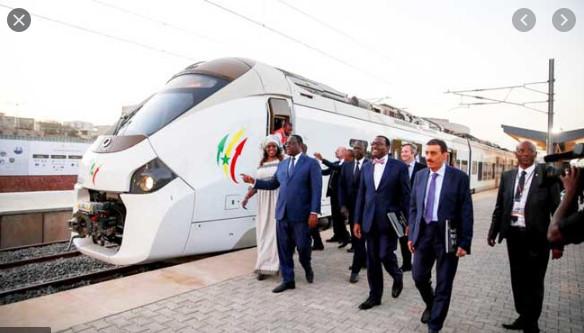 2e Phase de la ligne du Train Express : Le Président Sall la confirmation de la participation de la France au financement