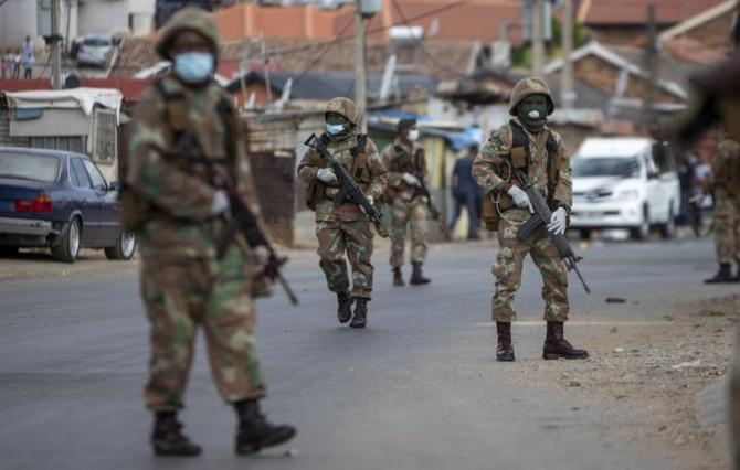 300 militaires testés positifs - Toubakouta dans la psychose de la...