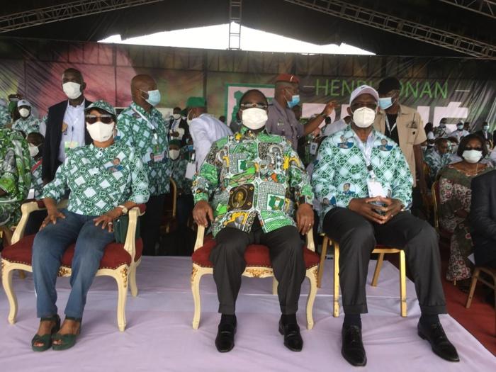 Côte d'Ivoire - Bédié investi, montre son programme et attaque Ouattara