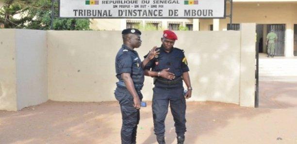 AIBD: un chauffeur dérobe 280 litres de kérosène et accuse deux de ses chefs de complicité