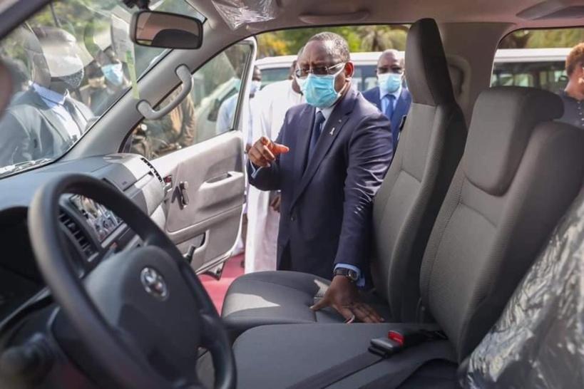 Transport: les chauffeurs de «7 places» rejettent les nouveaux minibus de l'Etat