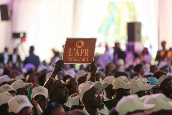 Fronde au sein du parti présidentiel : de jeunes apéristes de Pikine marchent le 02 Novembre