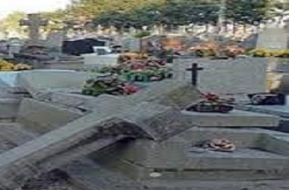''Profanation' d'un cimetière catholique à Tivaouane : des acteurs recadrent les faits et appellent au calme