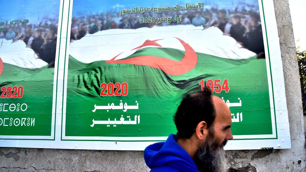 Les Algériens votent sur une révision de la Constitution