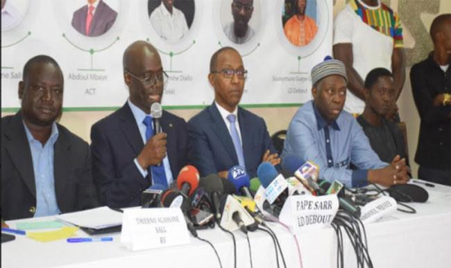 Abdoul Mbaye et Cie sur le nouveau gouvernement: « Le retour aux affaires de personnages qui considèrent la politique comme un simple moyen de s'enrichir »