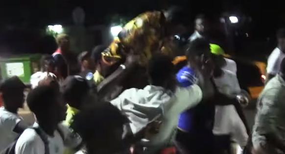 Sidy Diop Reçoit Une Pompe À Gaz Et Quitte Sa Soirée En Pleurs