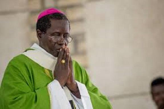 Arnaque aux fidèles : Un homme se fait passer pour l'Archevêque de Dakar
