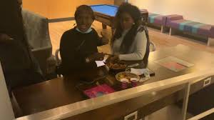 Regardez Bijou Ngone Pendo Ndeye Coumba vip haïr en mode déjeuner a New York