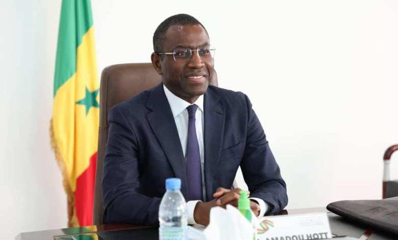 Amadou Hott préside le Forum UK-Africa sur l'industrie pharmaceutique au Sénégal